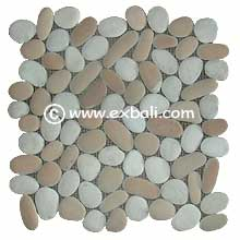 Pebble mesh flooring